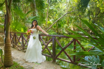#trash #the #dress #weddings #cancun #rivieramayaphotographer @claytoncancun